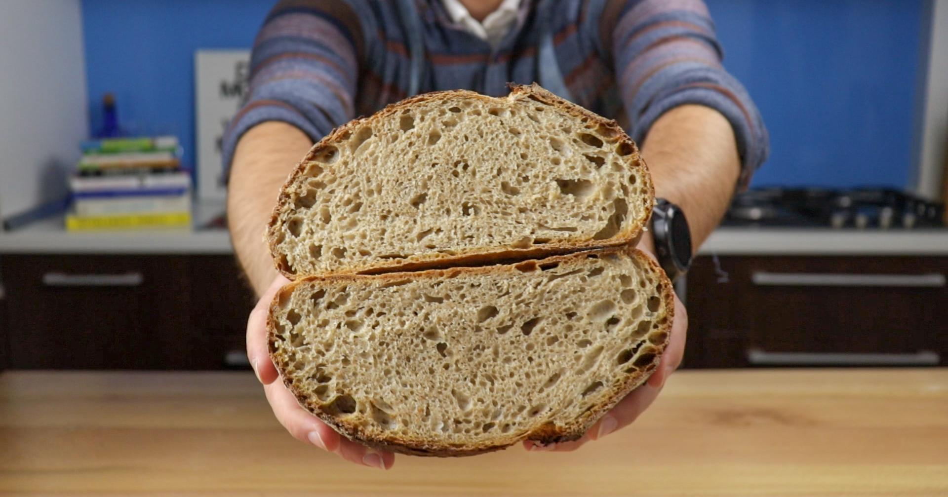 Painea corporatistului, cea mai simpla paine cu maia de pana acum