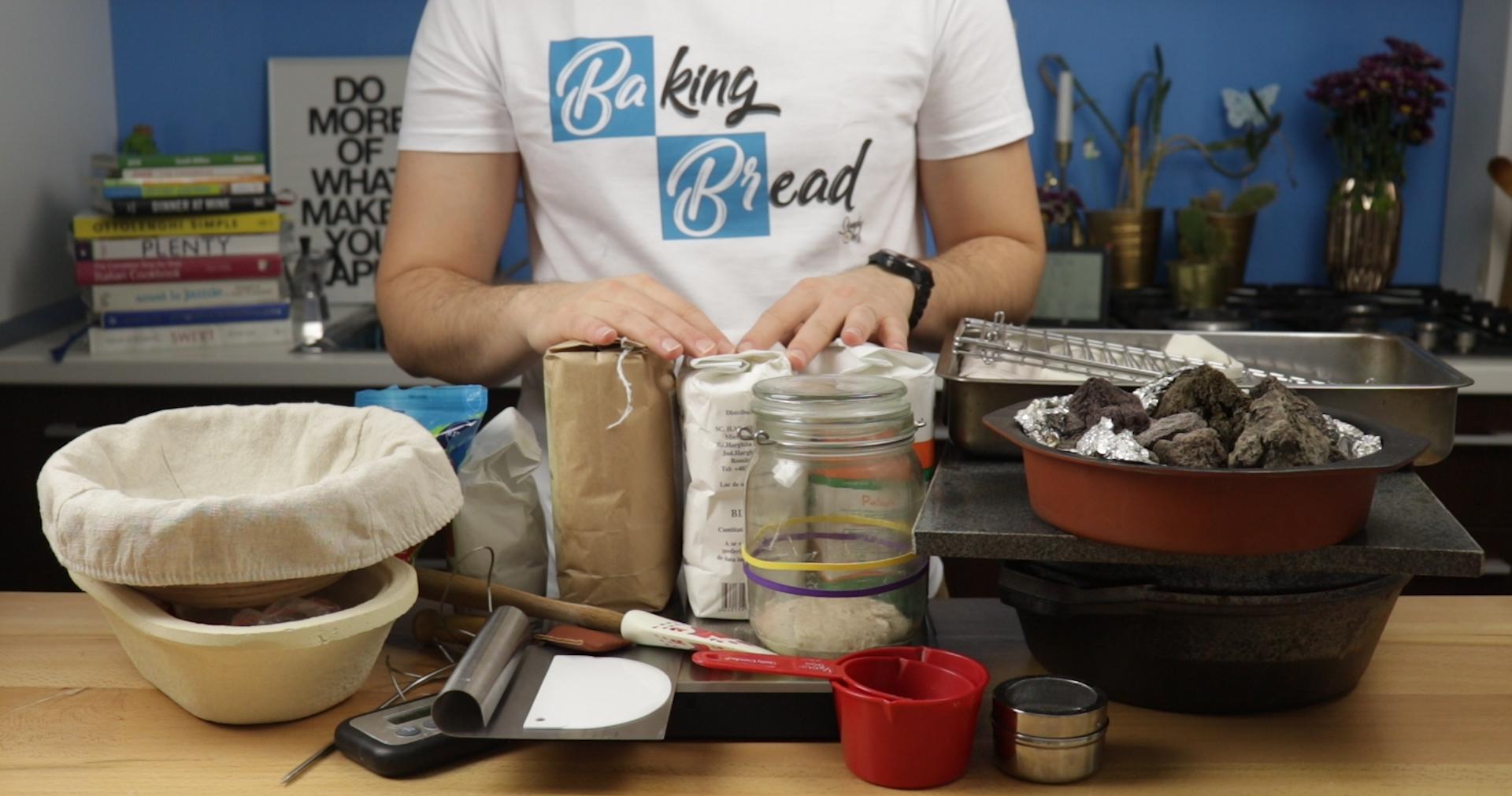 5+1 echipamente necesare pentru o paine de casa cu maia